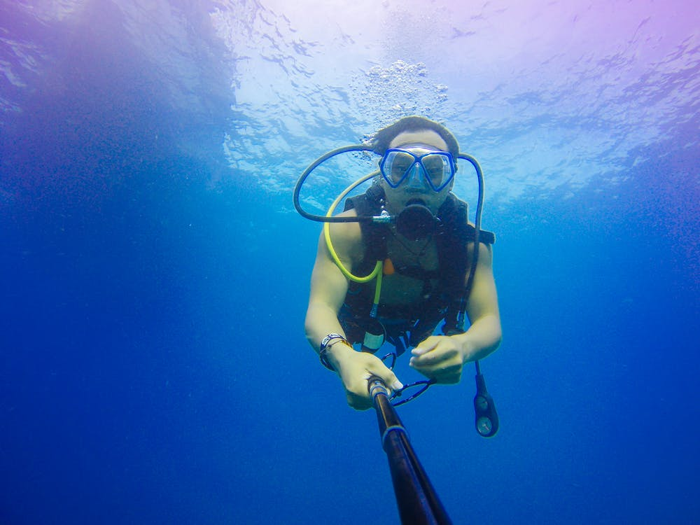scuba-selfie-mental-health-diving-maui.png