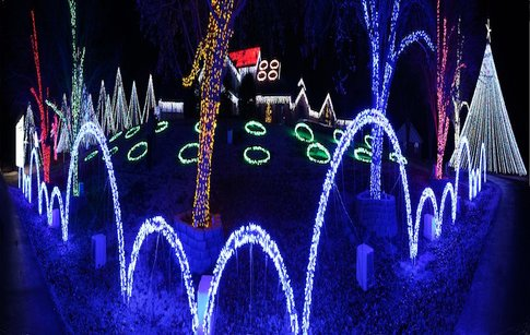 the downs family christmas lights the downs family christmas lights in norman is one of the most spectacular light displays at a private residence in