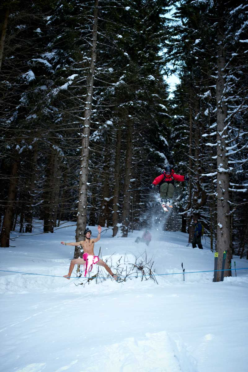 Ski+naked-slackline-action (3).jpg