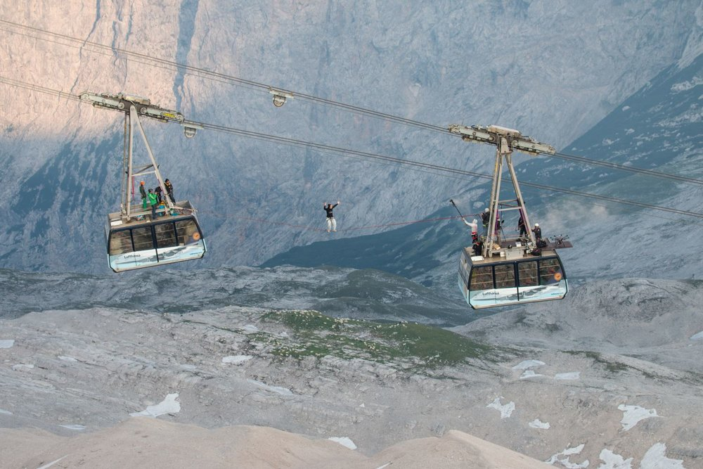 Cablecar Highline at Zugspitze (5).jpg
