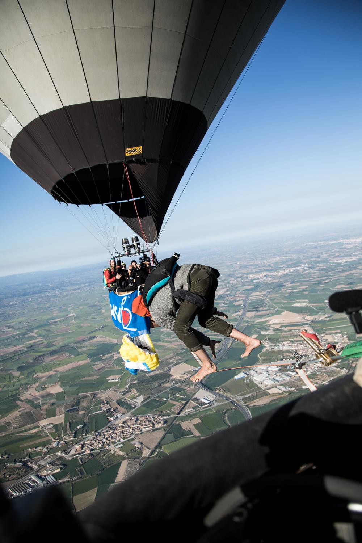 Ballon Highline Spanien Niklas Laspesch hoch-1.jpg