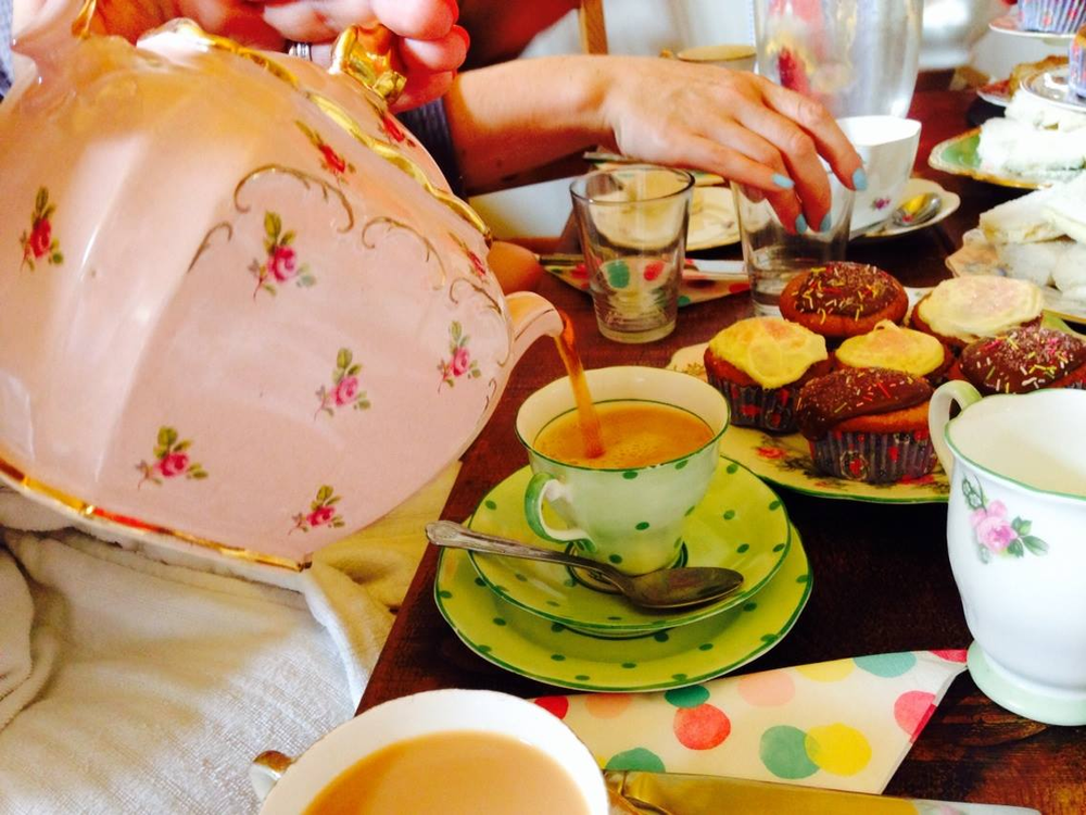 High tea on a girl's weekend in England...I'm so polite now ;-)