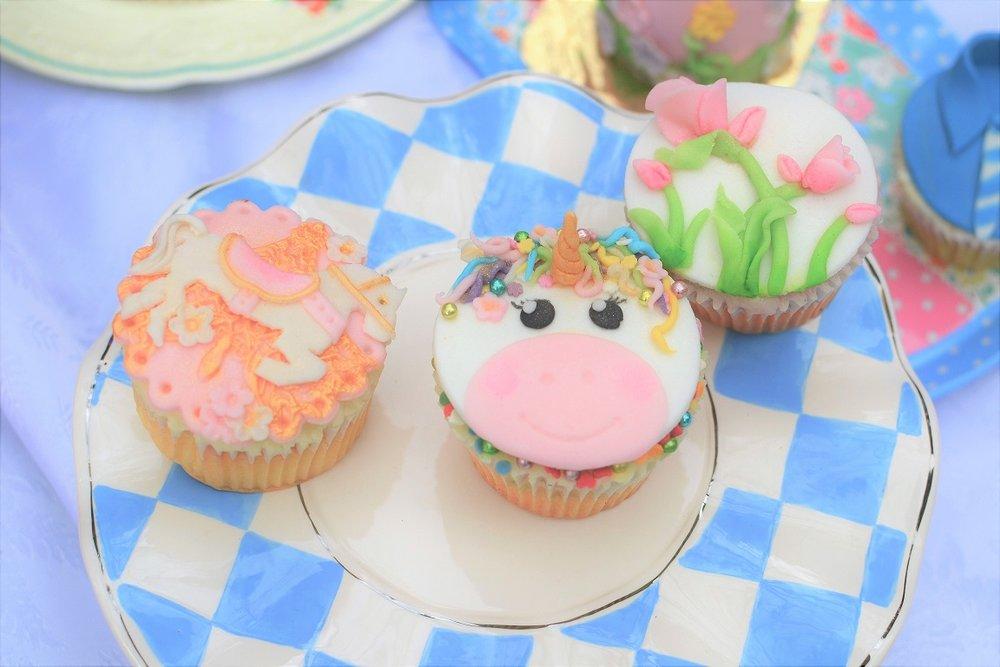 picnic cupcakes.jpg