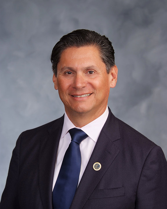 Eloy Oakley, Chancellor, California Community Colleges