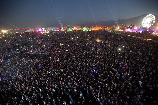 Calvin Harris Coachella Crowd