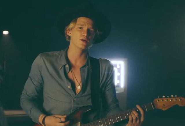 Cody-Simpson-New-Problems