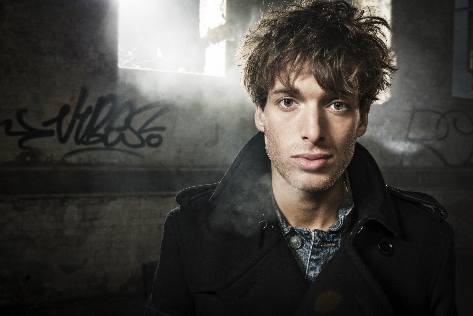 Paolo-Nutini-Press-Photo-2-Photo-Credit-Shamil-Tanna