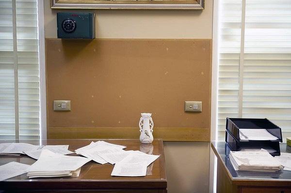 MOAD-typist-room-vase.jpg
