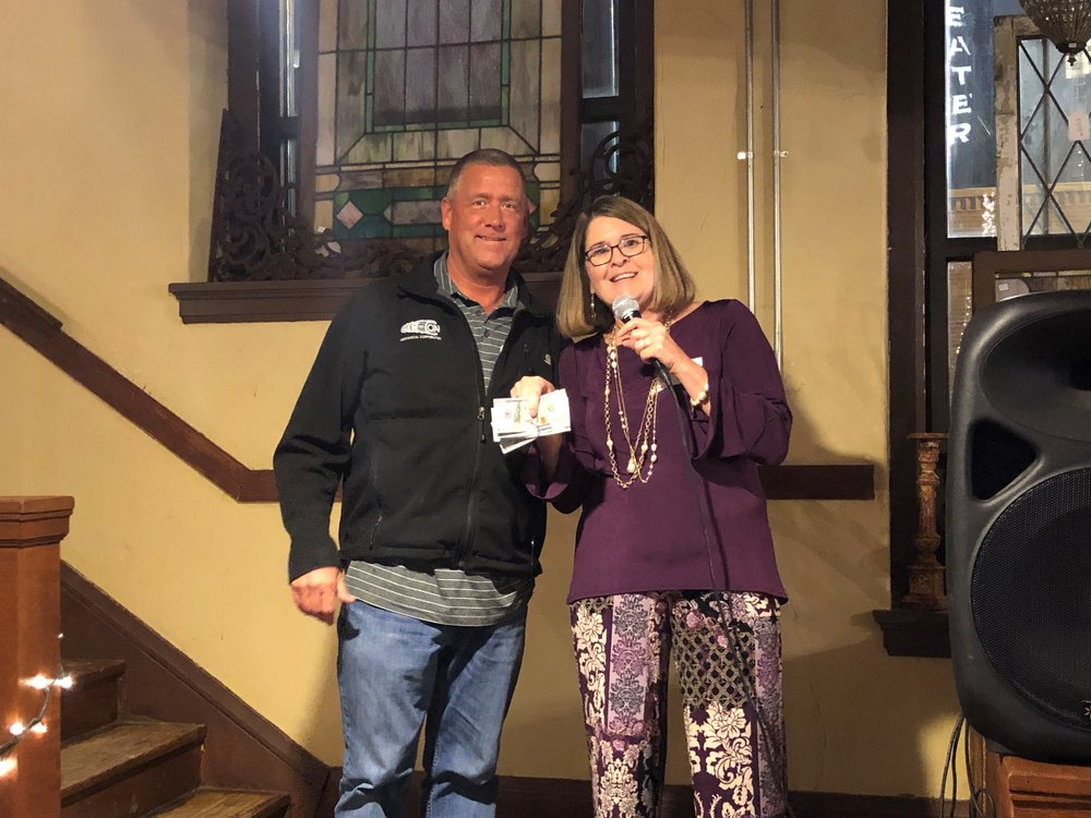 Winner of the $500 cash prize for the night was Randy Pickard from Air Con.  Presenting Randy with 5 - $100 bills is SMCI Chapter Exec Kim Best. Congratulations Randy!