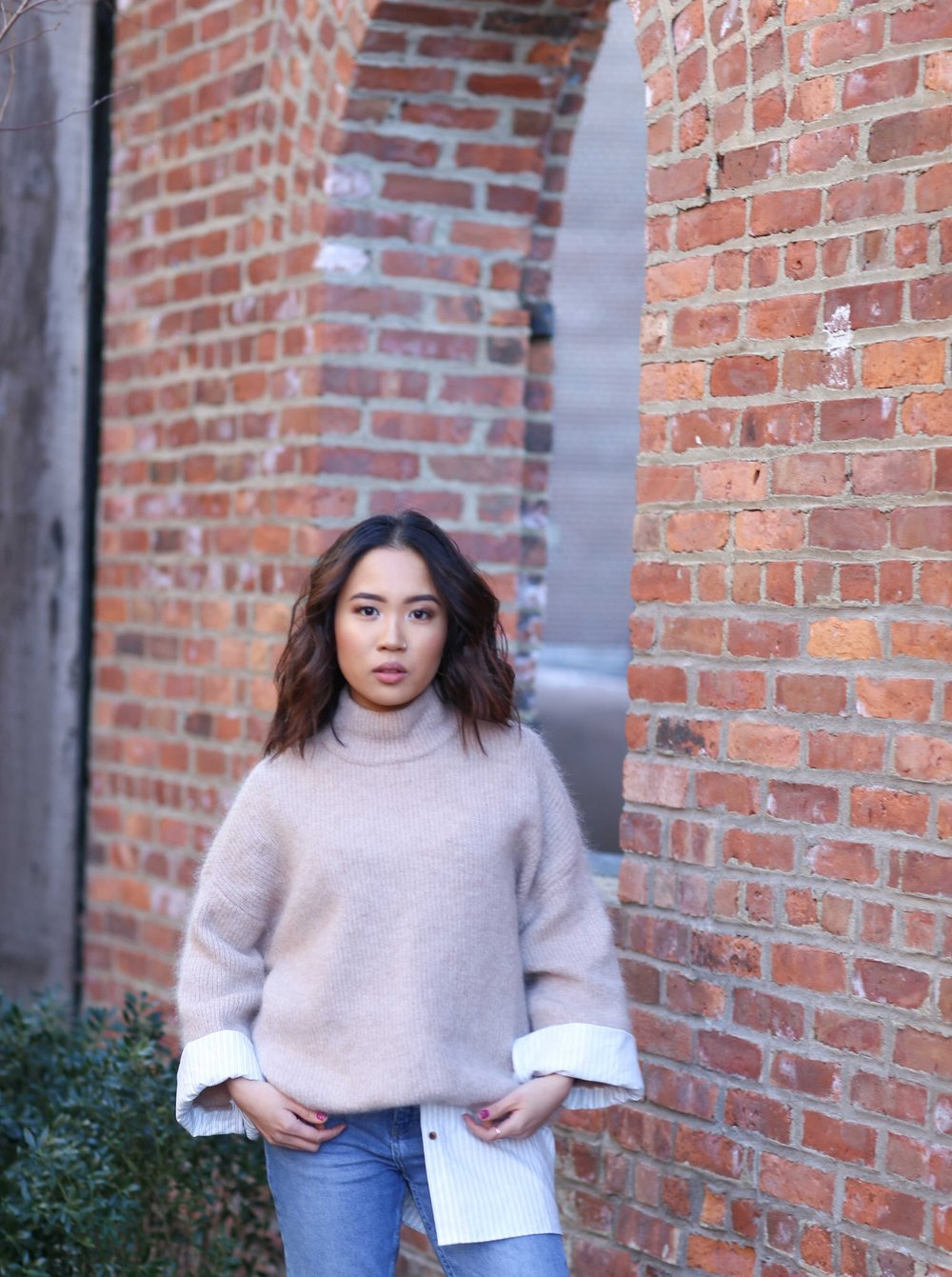 The only thing I love about the winter is the ability to layer clothing! I absolutely love layering like nobody's business. This super soft and cozy sweater not only makes you feel like you're wrapped inside a fluffy cloud but it has the comfortable look by imitating layering two pieces together.  Pair this sweater with a pair of comfy mom jeans & sneakers and you'll be keepin it cozy all day!