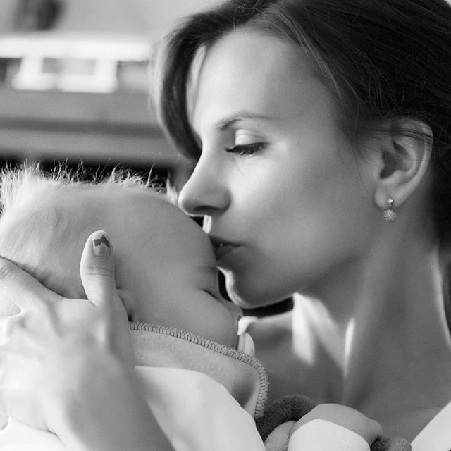 #familyphotography #babyphotography #brisbanephotographer #goldcoastphotographer #lovedones #newbornphotography #newbornbaby #mummylife #mumlife #mum❤
