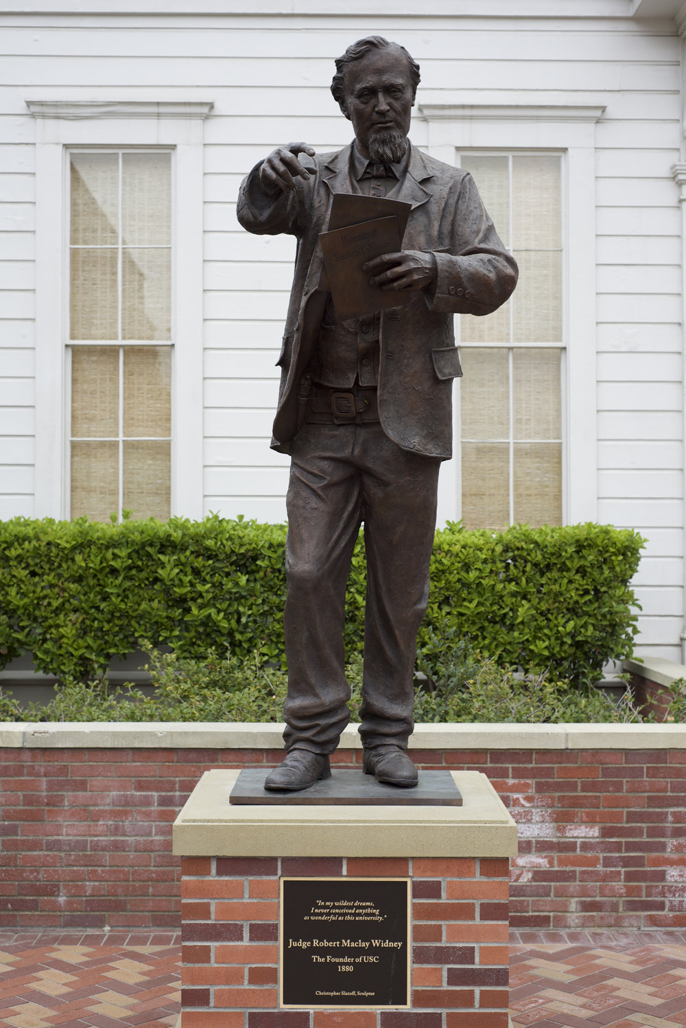 Slatoff_IllustratedMan_Bronze_8ft_PhotoBy_MatthewSegotta_DSC_1917.jpg