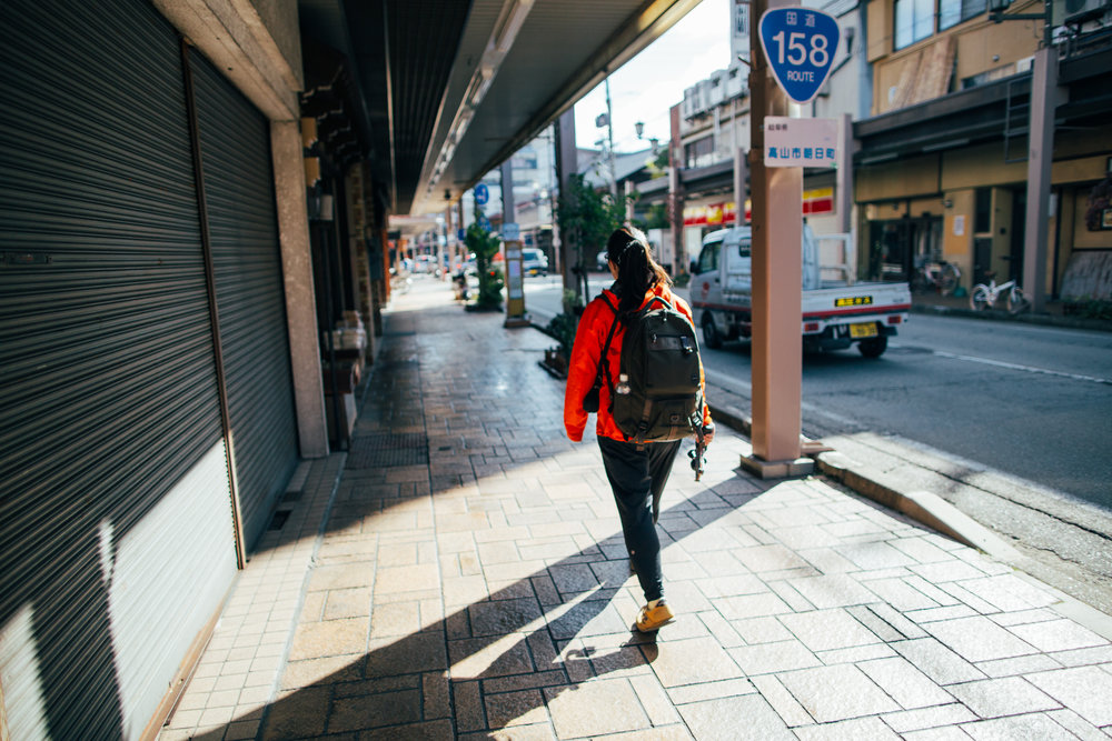 Mornings in Takayama are peaceful. The only hustle and bustle you'll hear or see is from the vendors at the morning markets which are everyday from 6:30 or 7:00 until around the noon hours.