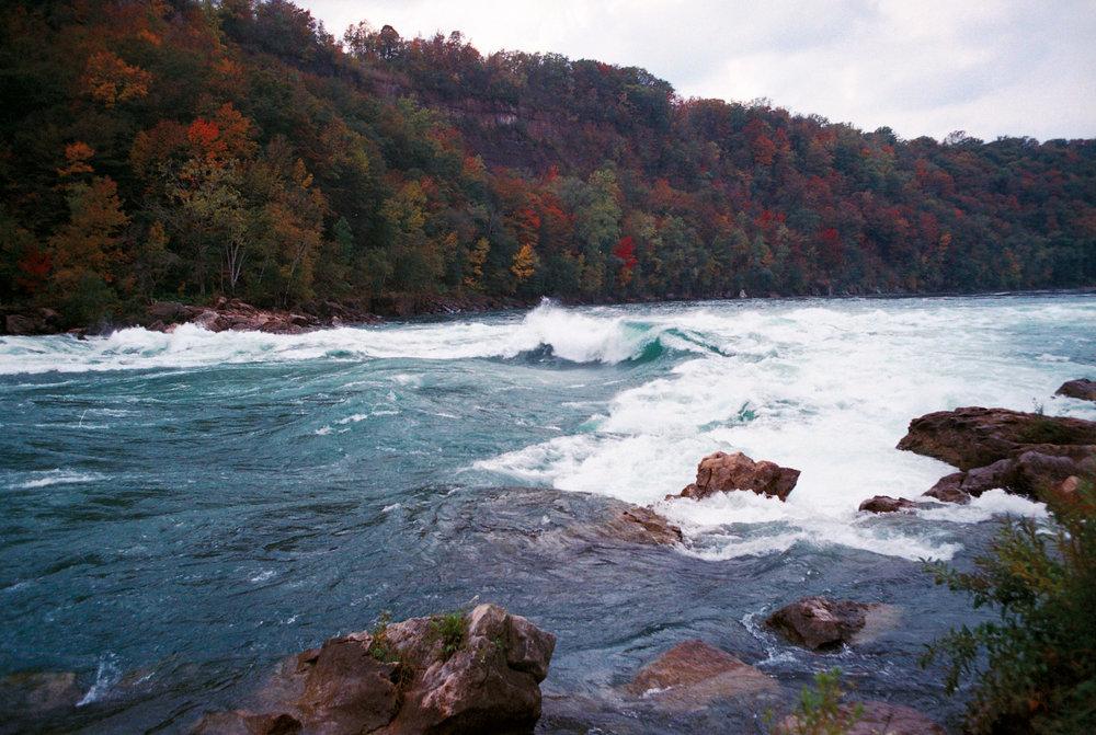niagra falls river