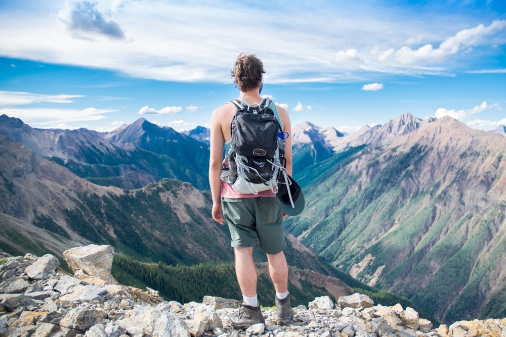 Best Hiking Gear Reviews
