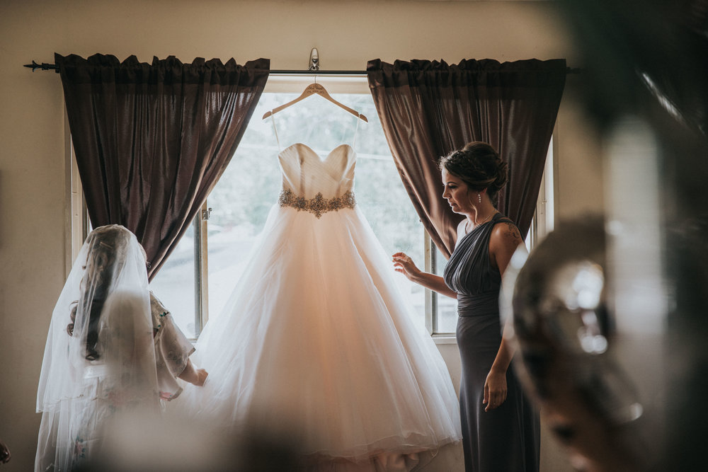 NewJersey_Wedding_Photography_Brigalias_Getting_Ready_Tara&Pete-59.jpg
