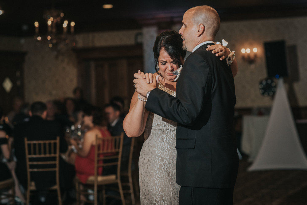NewJersey_Wedding_Photography_Brigalias_Reception_Tara&Pete-38.jpg