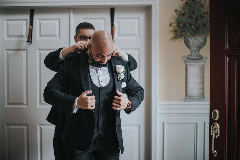New-Jersey-Wedding-Photographer-Luciens-GettingReady-Nicole&Sam-26.jpg