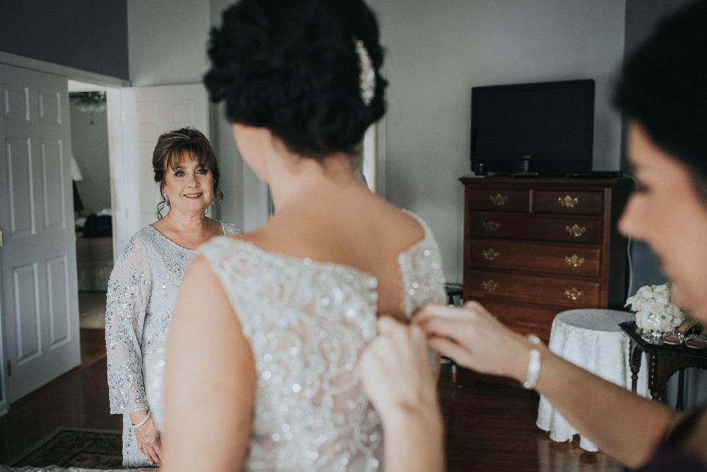 New-Jersey-Wedding-Photographer-Luciens-GettingReady-Nicole&Sam-35.jpg