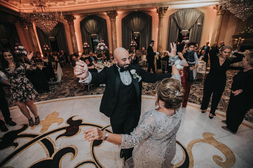 New-Jersey-Wedding-Photographer-Reception-Bride&Groom-Nicole&Sam-177.jpg