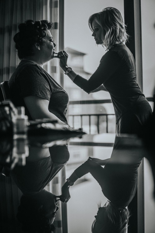 New-Jersey-Wedding-Photography-Brigalias-Deanna&Darryl-GettingReady-BW-117.jpg
