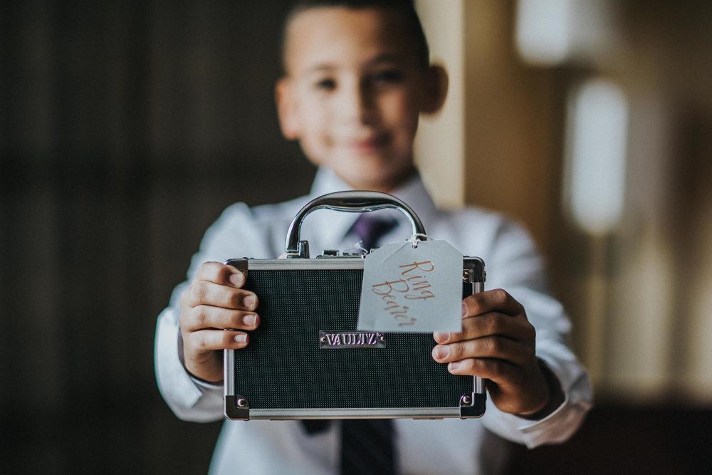 New-Jersey-Wedding-Photography-Brigalias-Deanna&Darryl-GettingReady-47.jpg