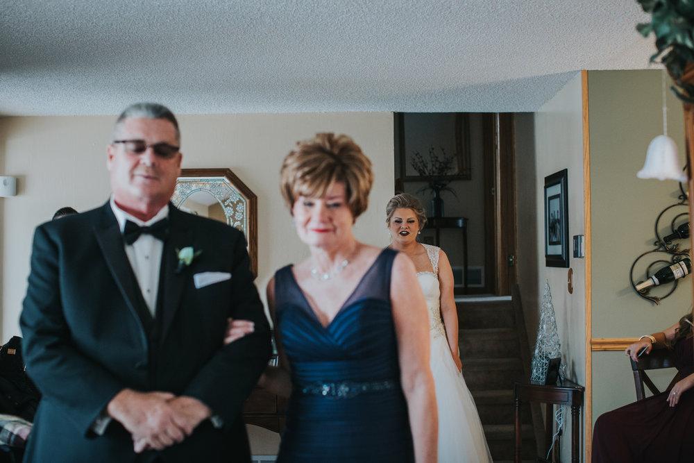 New-Jersey-Wedding-Photography-Fishers-Cescaphe-Ballroom-JennaLynnPhotography-GettingReady-Jill&Nick-149.jpg