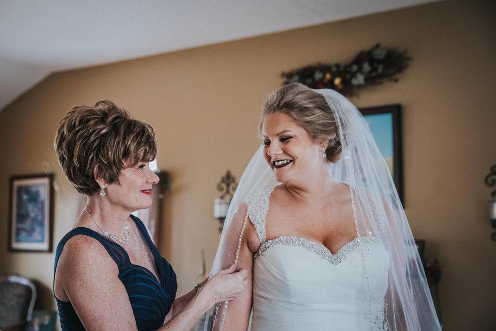 New-Jersey-Wedding-Photography-Fishers-Cescaphe-Ballroom-JennaLynnPhotography-GettingReady-Jill&Nick-162.jpg