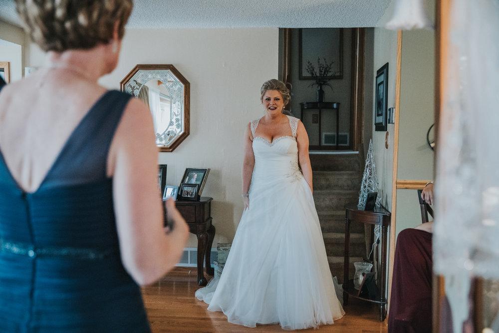 New-Jersey-Wedding-Photography-Fishers-Cescaphe-Ballroom-JennaLynnPhotography-GettingReady-Jill&Nick-158.jpg
