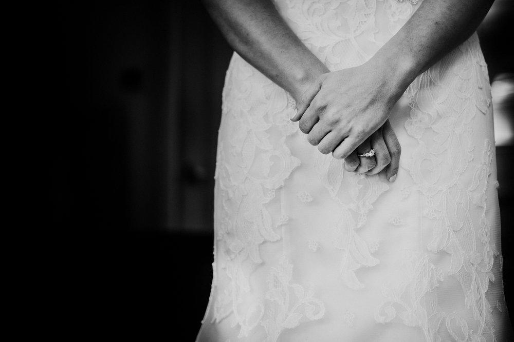 New-Jersey-Wedding-Photographer-JennaLynnPhotography-Blue-Heron-Pines-Sami+Nick-GettingReadyBW-116.jpg