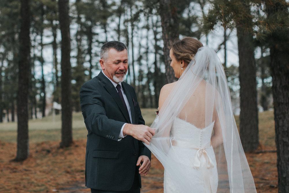 New-Jersey-Wedding-Photographer-JennaLynnPhotography-Blue-Heron-Pines-Sami+Nick-FirstLook-15.jpg