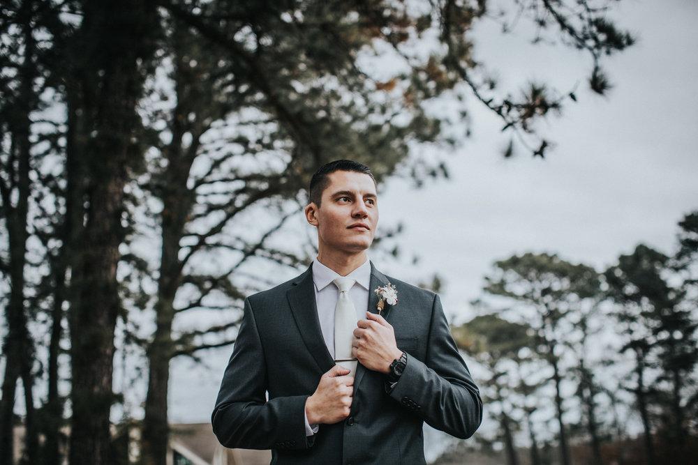 New-Jersey-Wedding-Photographer-JennaLynnPhotography-Blue-Heron-Pines-Sami+Nick-FirstLook-19.jpg