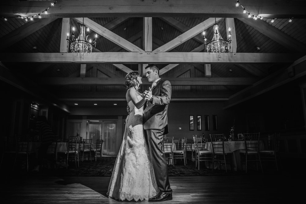 New-Jersey-Wedding-Photographer-JennaLynnPhotography-Blue-Heron-Pines-Sami+Nick-BrideandGroomBW-31.jpg