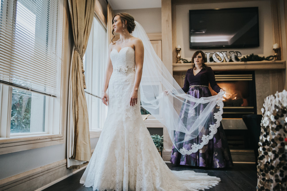 New-Jersey-Wedding-Photographer-JennaLynnPhotography-Blue-Heron-Pines-Sami+Nick-GettingReady-133.jpg