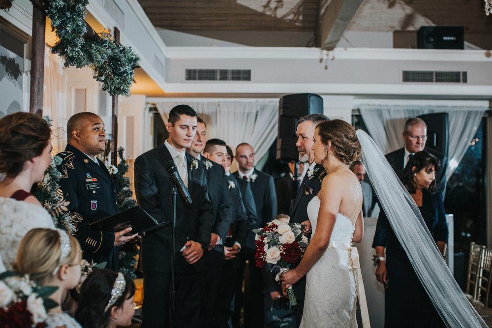 New-Jersey-Wedding-Photographer-JennaLynnPhotography-Blue-Heron-Pines-Sami+Nick-Ceremony-26.jpg