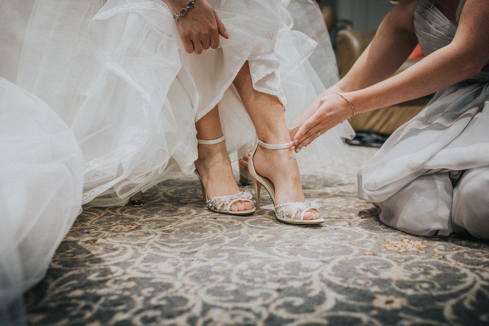 New-Jersey-Wedding-Photographer-Megan&Nick-GettingReady-73.jpg