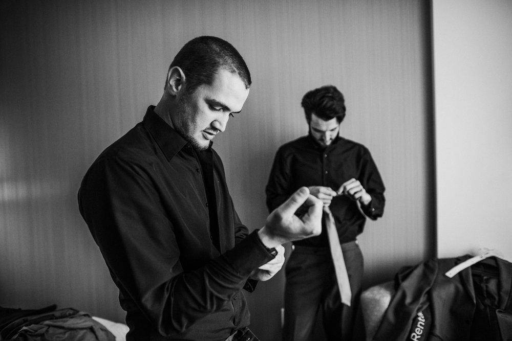 New-Jersey-Wedding-Photographer-Megan&Nick-GettingReadyBW-44.jpg