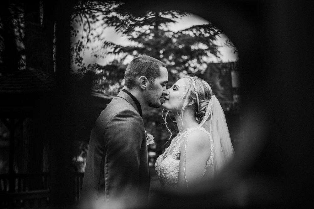 New-Jersey-Wedding-Photographer-Megan&Nick-BrideandGroomBW-30.jpg