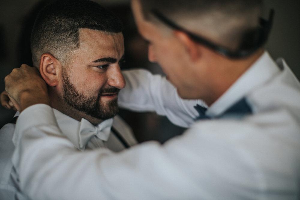 New-Jersey-Wedding-Photographer-JennaLynnPhotography-ValenzanoWinery-GettingReady-70.jpg