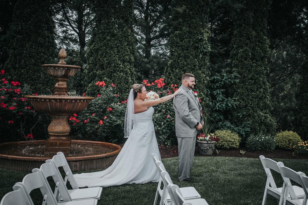 New-Jersey-Wedding-Photographer-JennaLynnPhotography-ValenzanoWinery-FirstLook-8.jpg