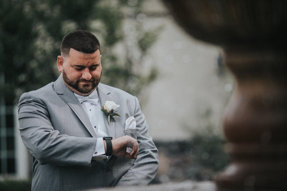 New-Jersey-Wedding-Photographer-JennaLynnPhotography-ValenzanoWinery-FirstLook-19.jpg