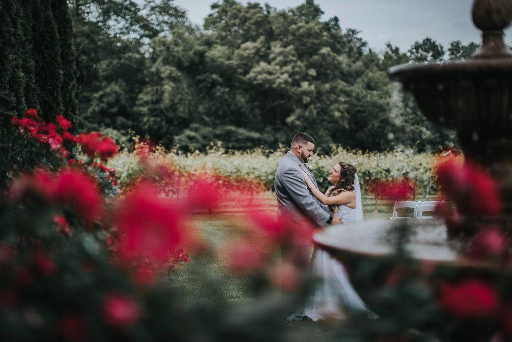 New-Jersey-Wedding-Photographer-JennaLynnPhotography-ValenzanoWinery-FirstLook-32.jpg