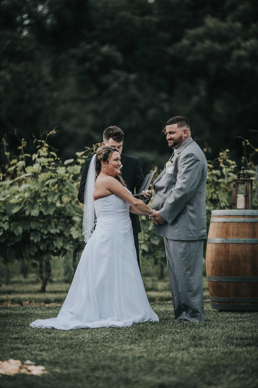 New-Jersey-Wedding-Photographer-JennaLynnPhotography-ValenzanoWinery-Ceremony-48.jpg