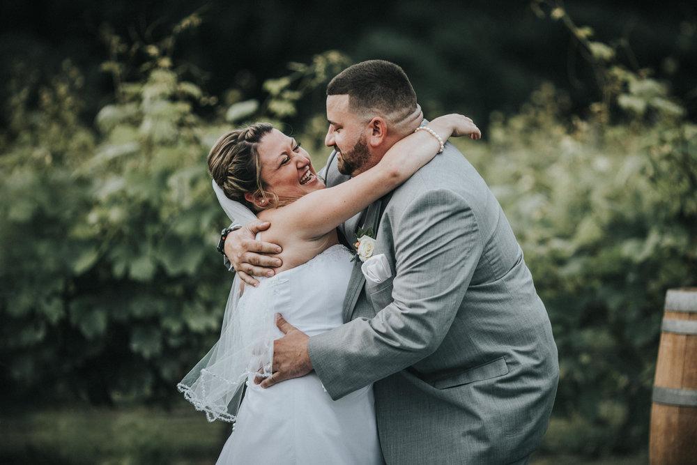 New-Jersey-Wedding-Photographer-JennaLynnPhotography-ValenzanoWinery-Ceremony-63.jpg