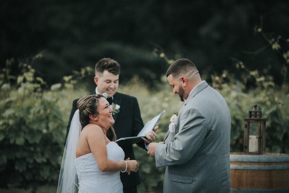 New-Jersey-Wedding-Photographer-JennaLynnPhotography-ValenzanoWinery-Ceremony-110.jpg