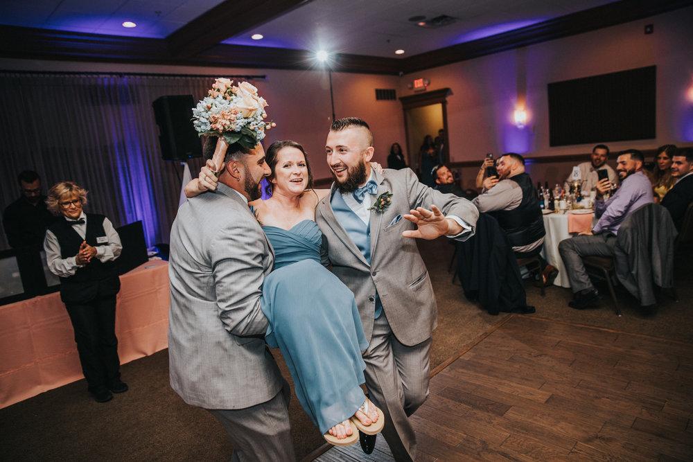 New-Jersey-Wedding-Photographer-JennaLynnPhotography-ValenzanoWinery-Reception-16.jpg