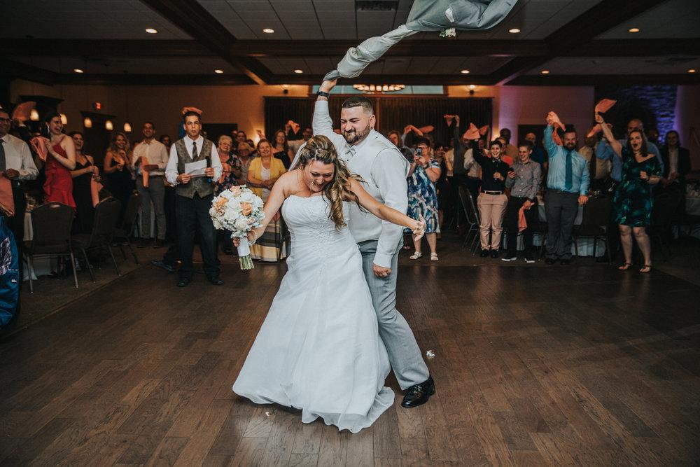 New-Jersey-Wedding-Photographer-JennaLynnPhotography-ValenzanoWinery-Reception-32.jpg