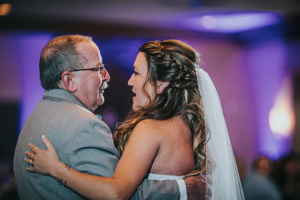 New-Jersey-Wedding-Photographer-JennaLynnPhotography-ValenzanoWinery-Reception-132.jpg