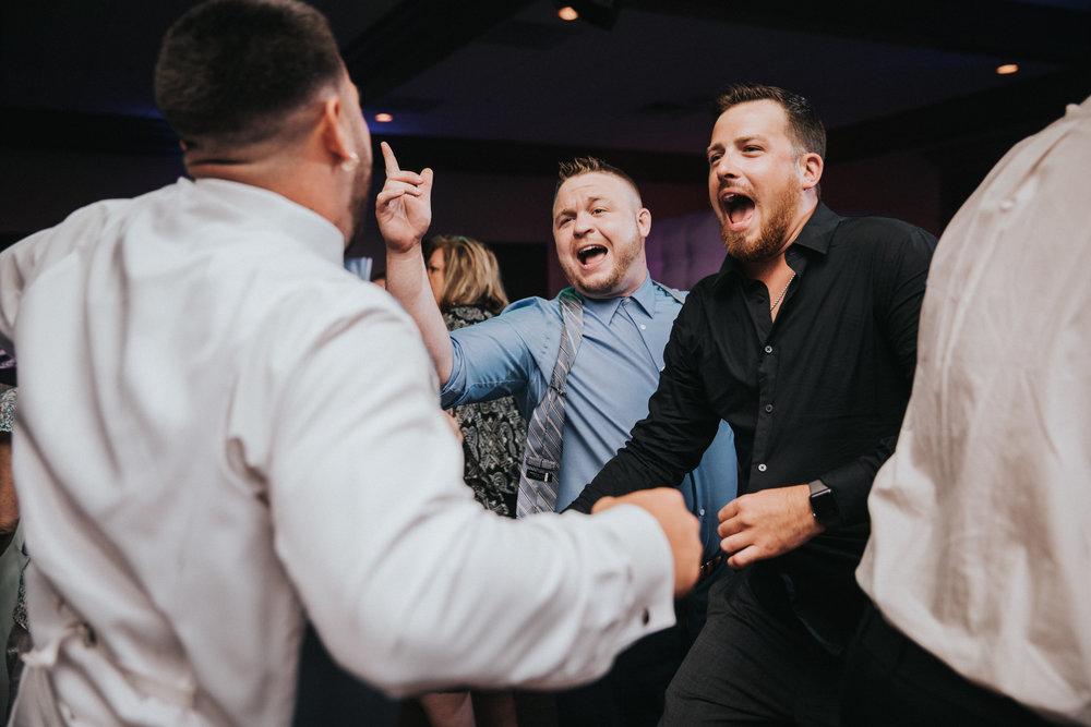 New-Jersey-Wedding-Photographer-JennaLynnPhotography-ValenzanoWinery-Reception-153.jpg