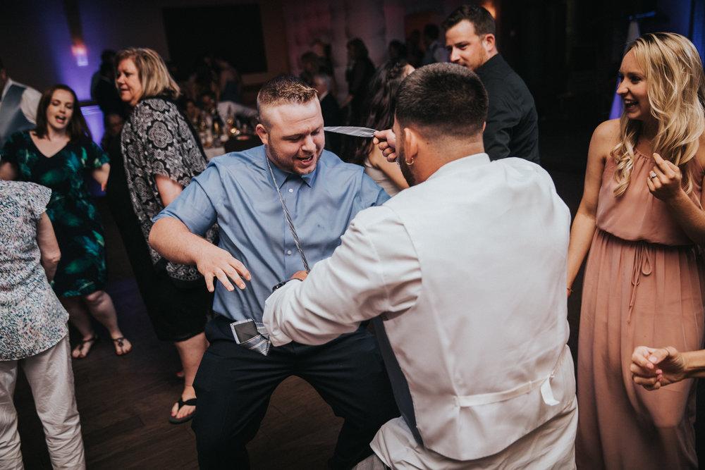 New-Jersey-Wedding-Photographer-JennaLynnPhotography-ValenzanoWinery-Reception-155.jpg